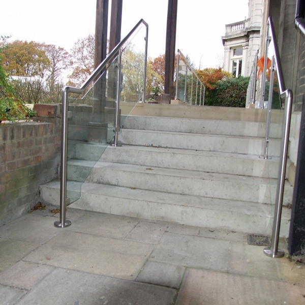 Glass balustrades, photo: 71
